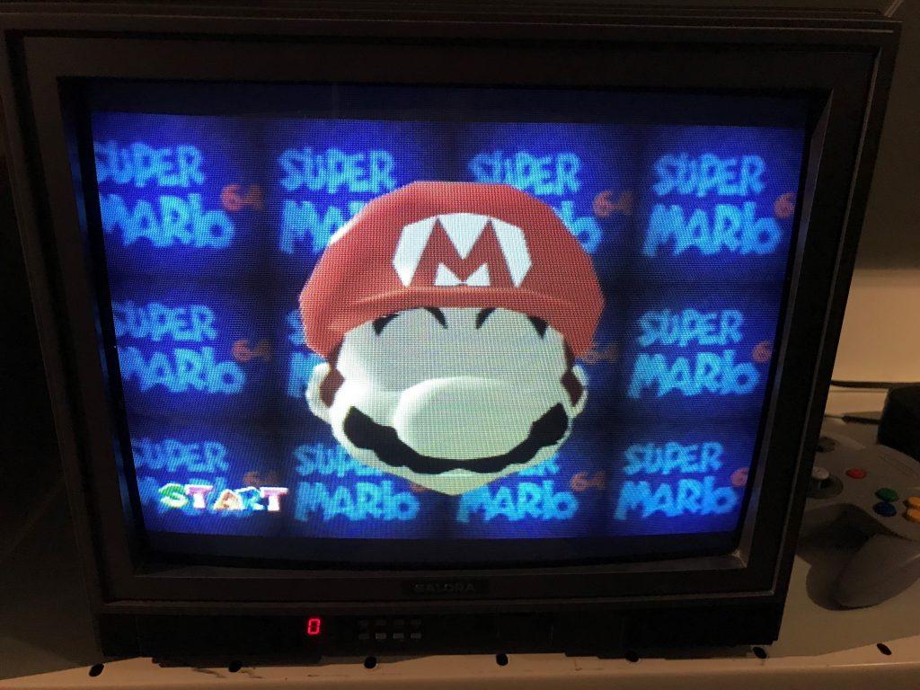 Kuva monitorista, jossa piirretty Super-Mario -hahmo.
